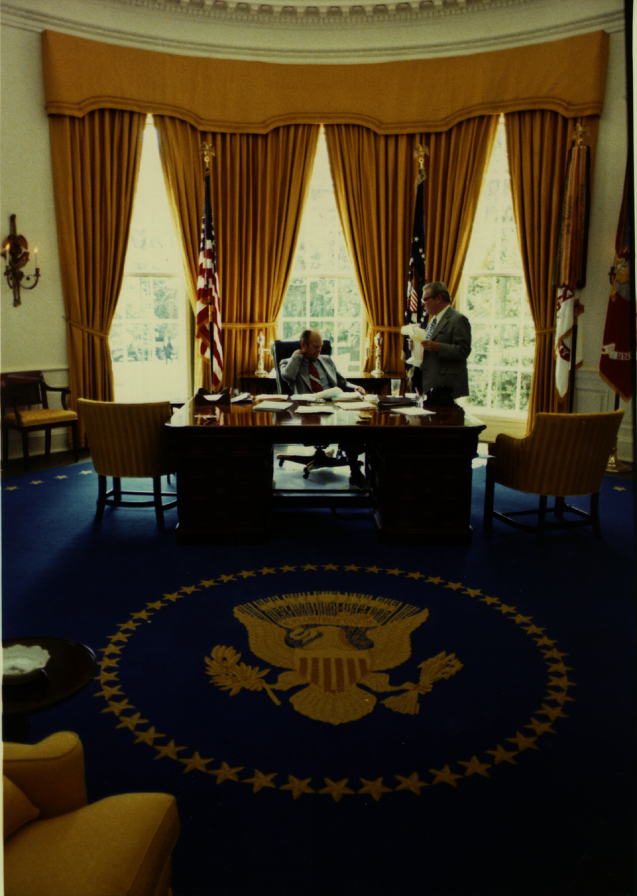 photographs gerald  ford  work   oval office