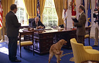 President Ford confers with Secretary of State Henry Kissinger