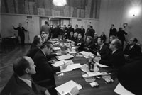 The first Ford-Brezhnev meeting at the conference hall