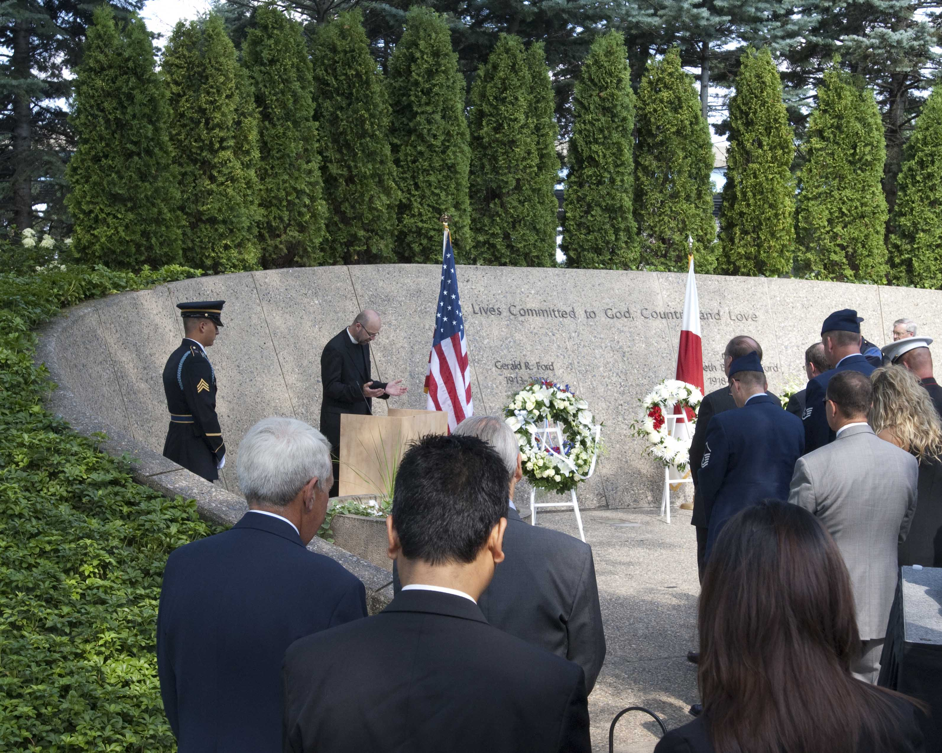 2010 Wreath laying